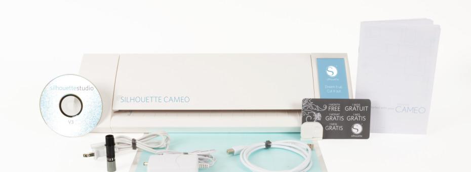 Silhouette New CAMEO con il contenuto della sua confezione