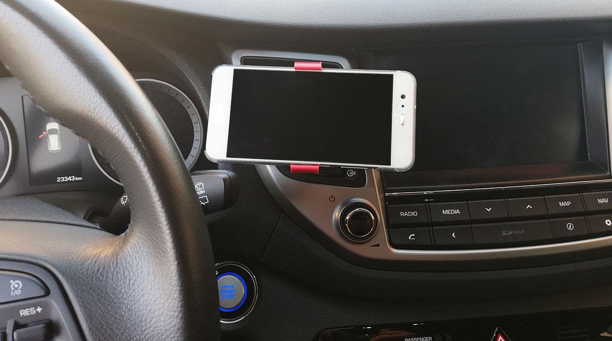 stampa-3d-supporto-smartphone-auto-07-utilizzo