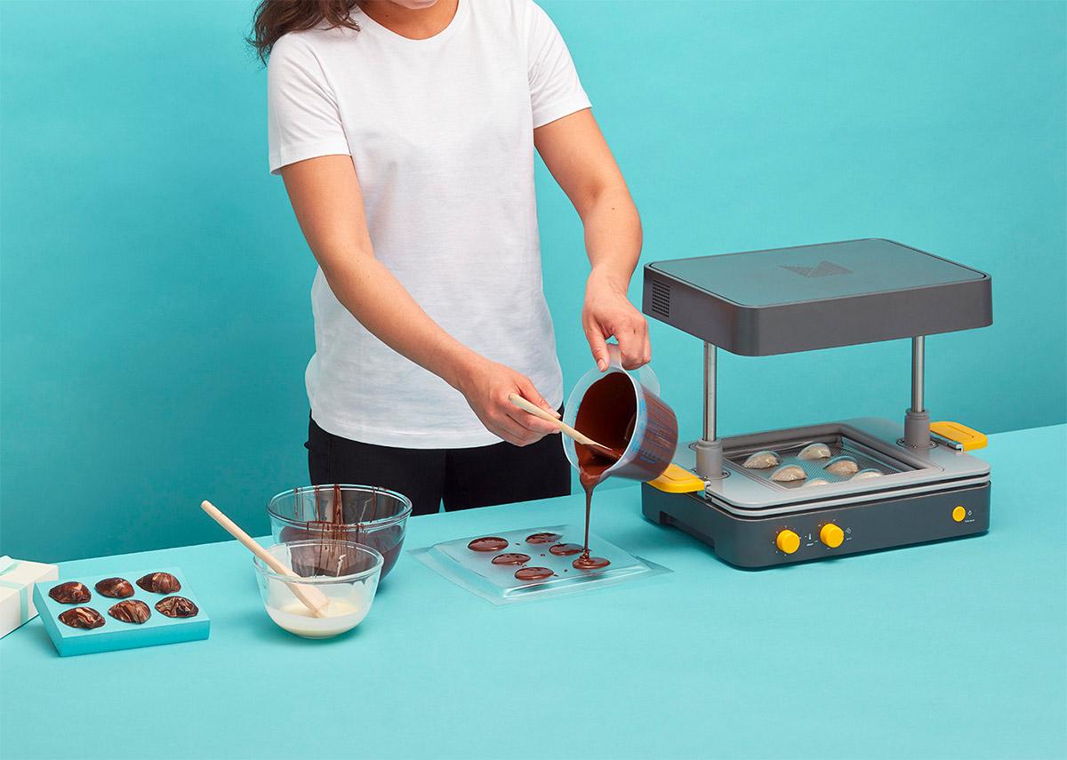 Formine-per-biscotti-dolci-termoformatrice-Mayku-Formbox